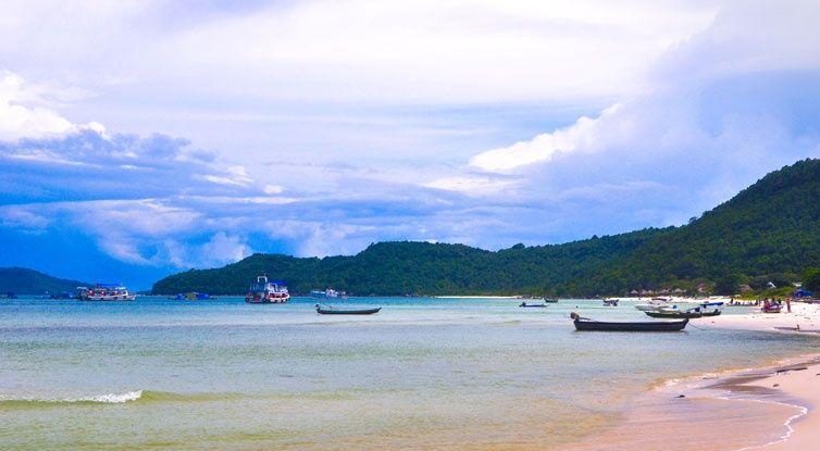 tàu cá ở bãi dài - du lịch Phú Quốc