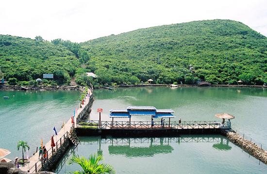 khu du lịch hồ cá trí nguyên nha trang