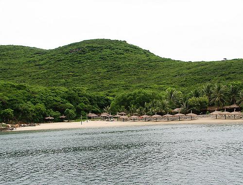 điểm du lịch nha trang vịnh đầm bấy hoang sơ